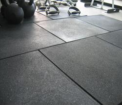 Fitnesstegel in gym